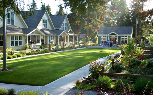 A cottage court. Image credit: http://www.thetinylife.com